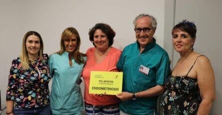Foto responsables del Acuerdo Ginemed y Asociación de Afectadas de Endometriosis de Huelva