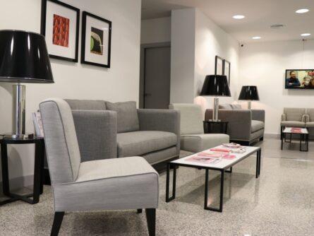Sala de Espera centro de casos de alta complejidad Ginemed Sevilla