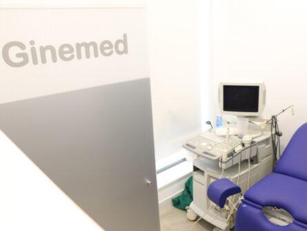 Sala de exploración clínica ginemed Dos Hermanas Sevilla