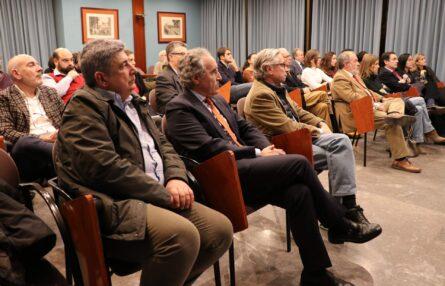 Conferencia «Presente y futuro de nuestro sistema sanitario. Retos a abordar», Dr. Manuel Vilches (Sevilla)